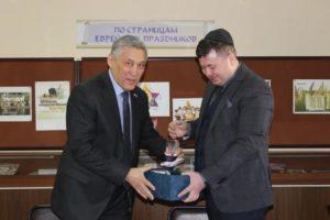 Посещение общинного центра сенатором региона, членом Совета Федерации Юрием Валяевым